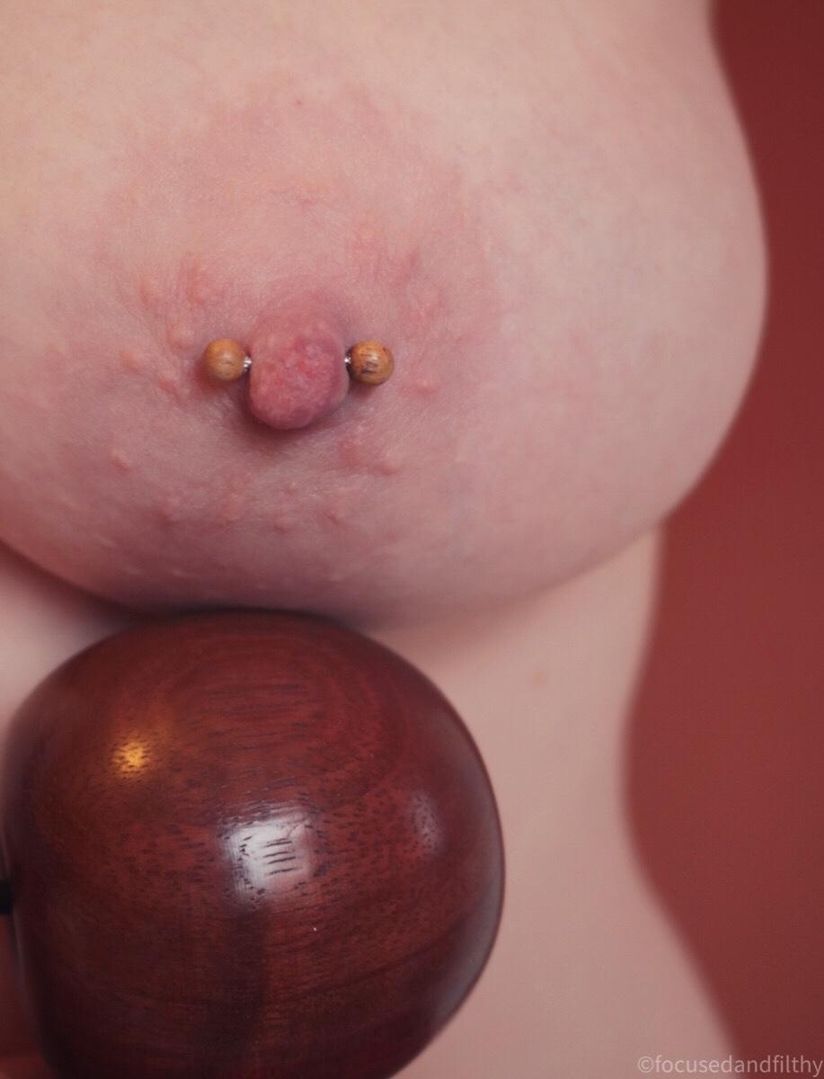 Nipple bar with wooden balls #SJC 153